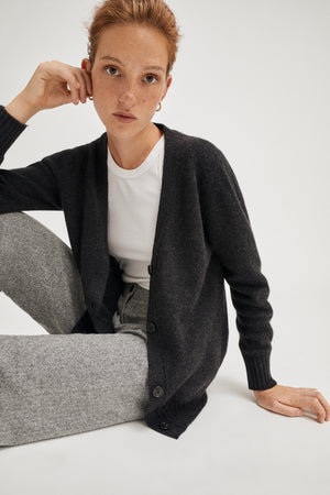 The Upcycled Cashmere Cardigan - Anthracite Grey