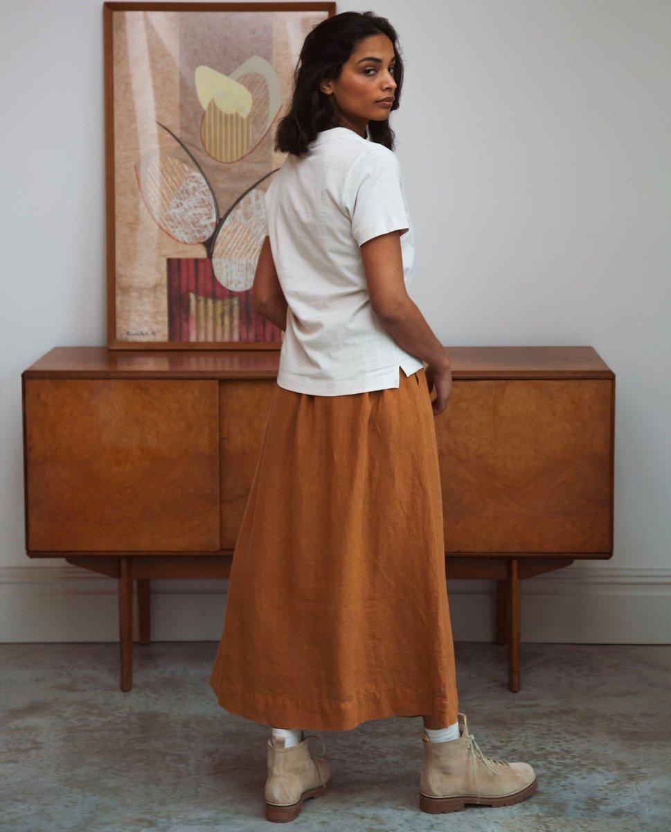 Beaumont Organic Ursa Linen Skirt In Almond