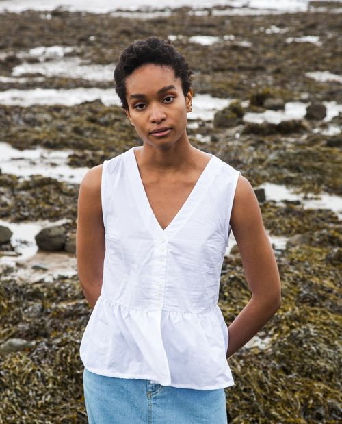 Beaumont Organic Tamsin Organic Cotton Blouse In White