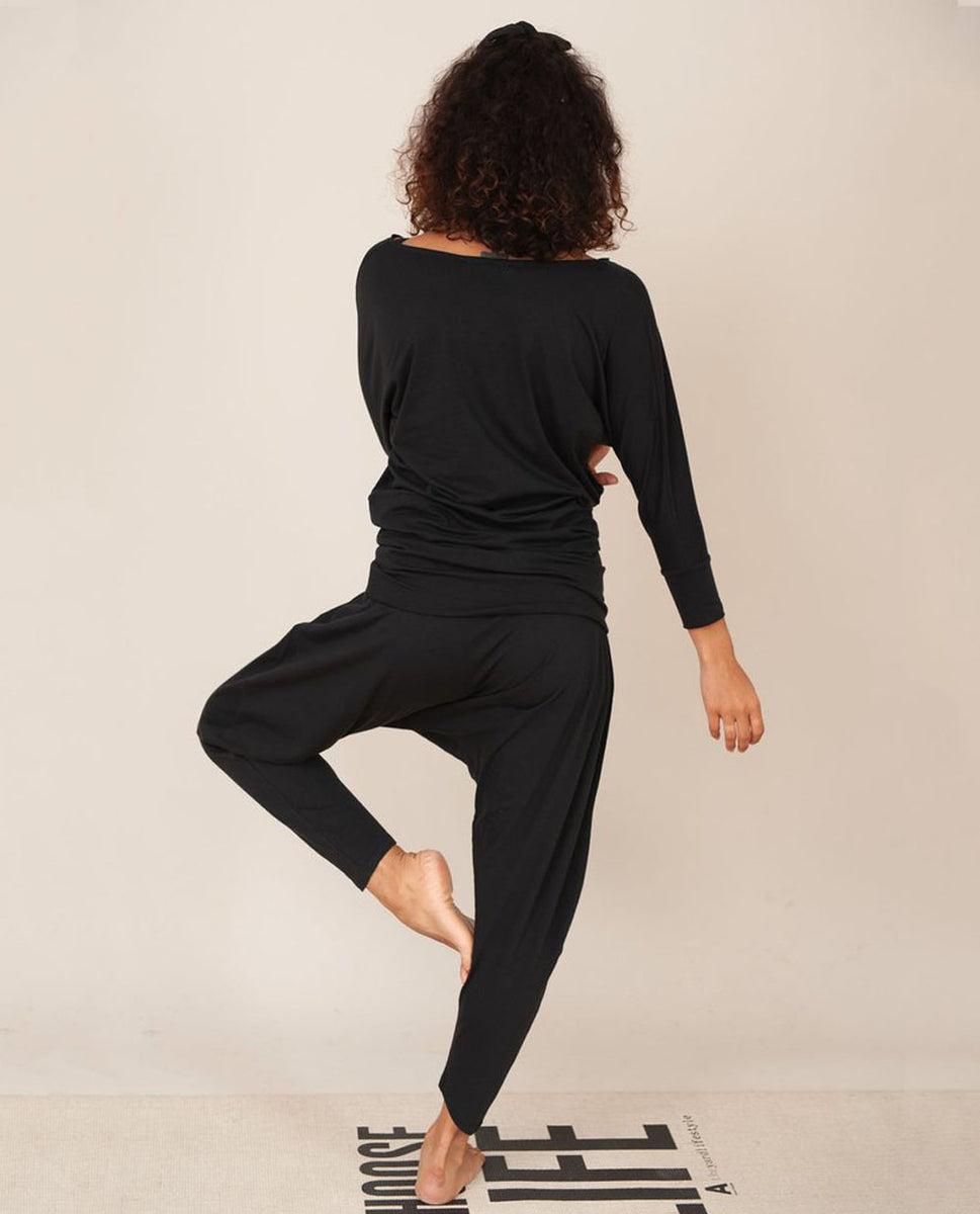 Beaumont Organic Miakoda Organic Cotton Yoga Batwing Top In Black