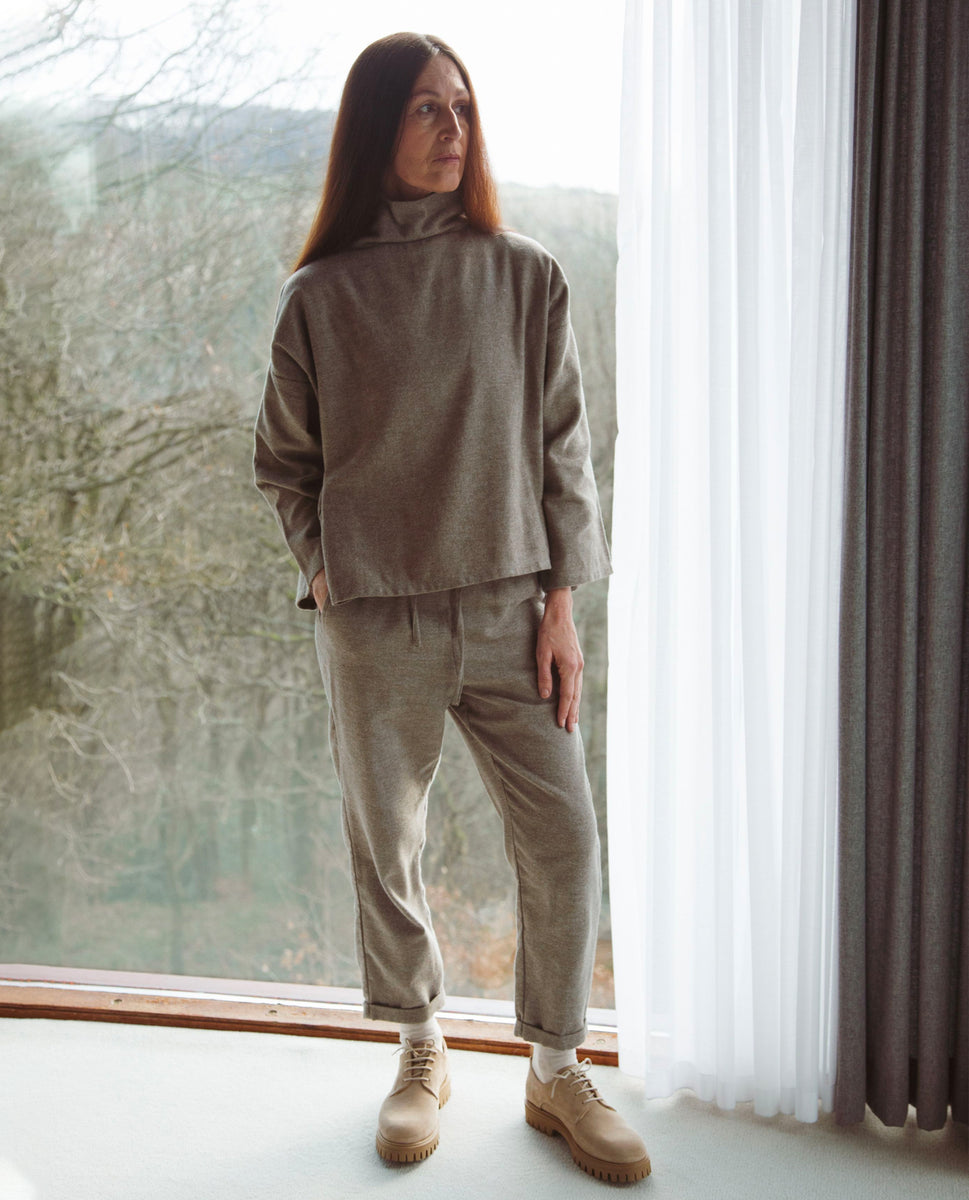 Kayley-Jane Organic Cotton Trousers In Moss