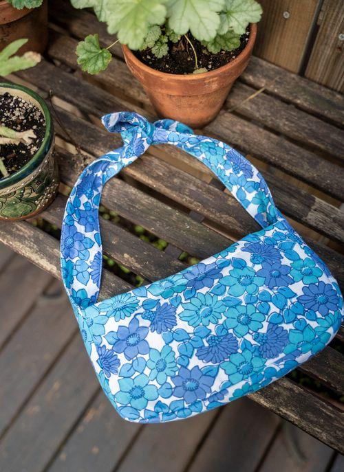west village bag - 1960s groovy floral