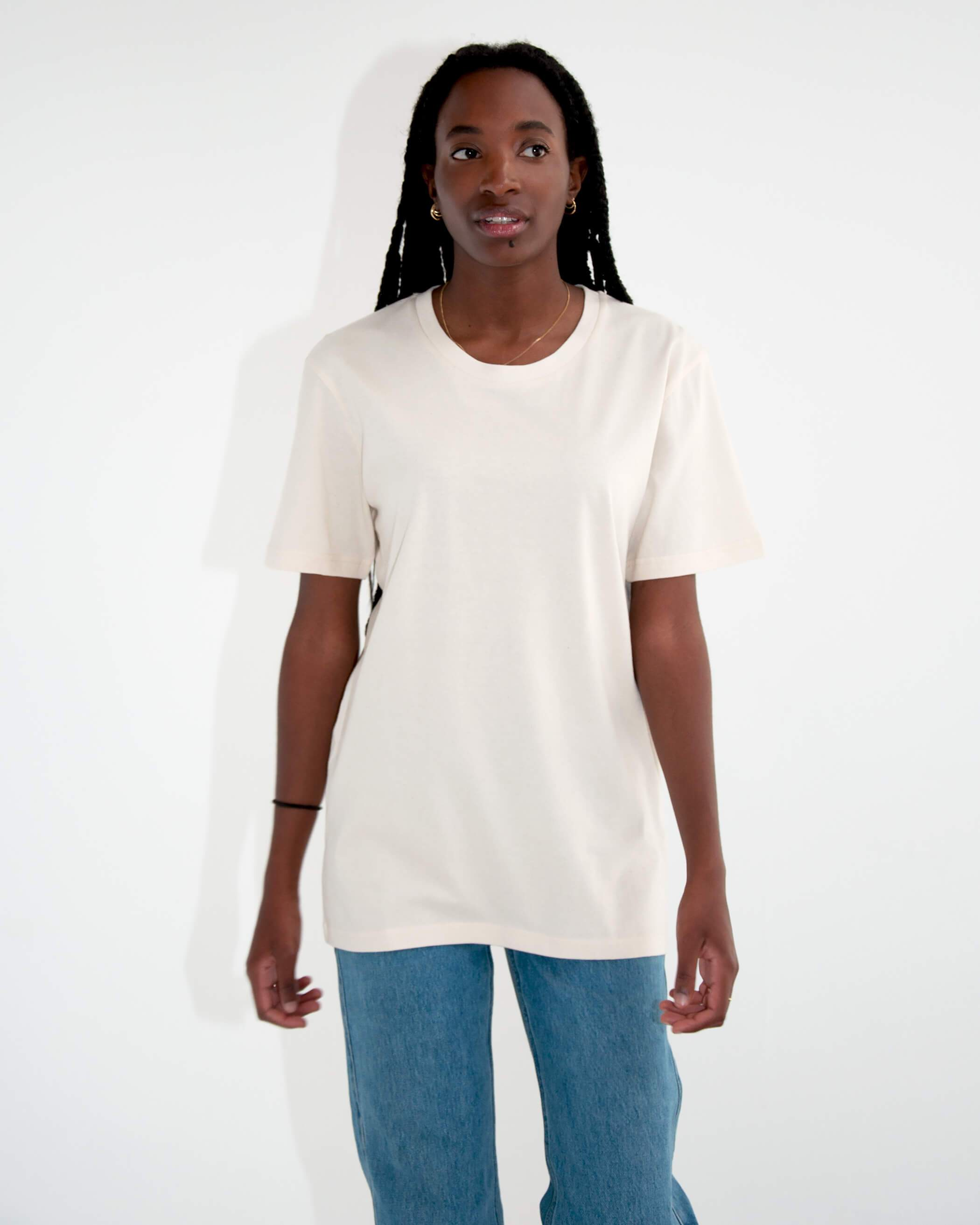 """Get a FREE white tee (€19,95) with your order.* Add the white Alex to your cart and use code """"freetee"""". *Only on total orders above €50."""