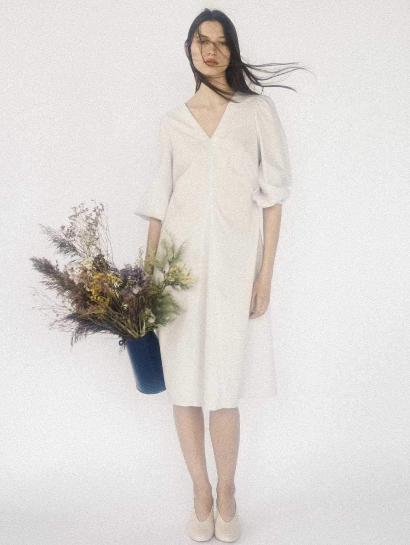 Aethra Organic Cotton V-Neck Dress | White