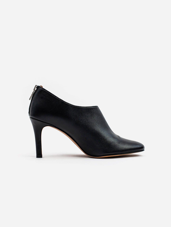 Olivia Vegan Leather Heeled Boots | Black