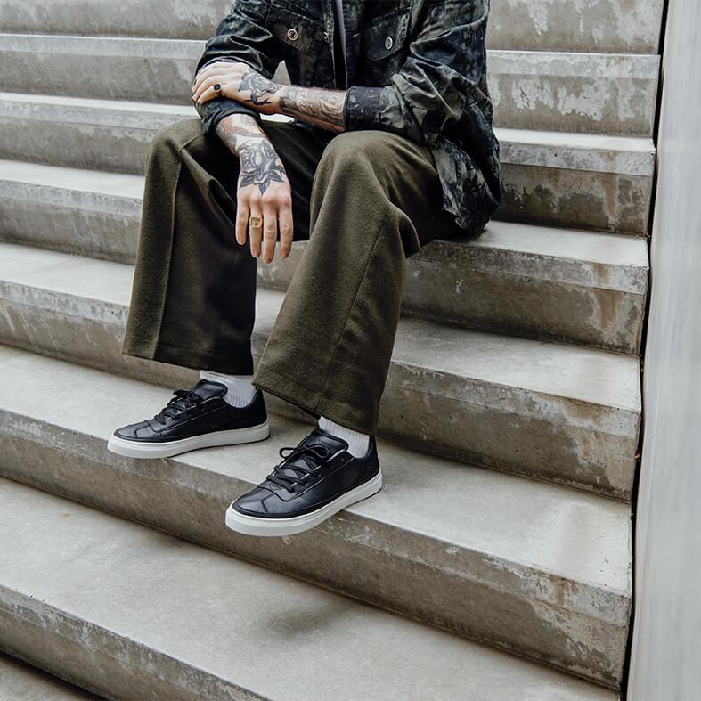 Komrads APL Monoblack sneaker Low