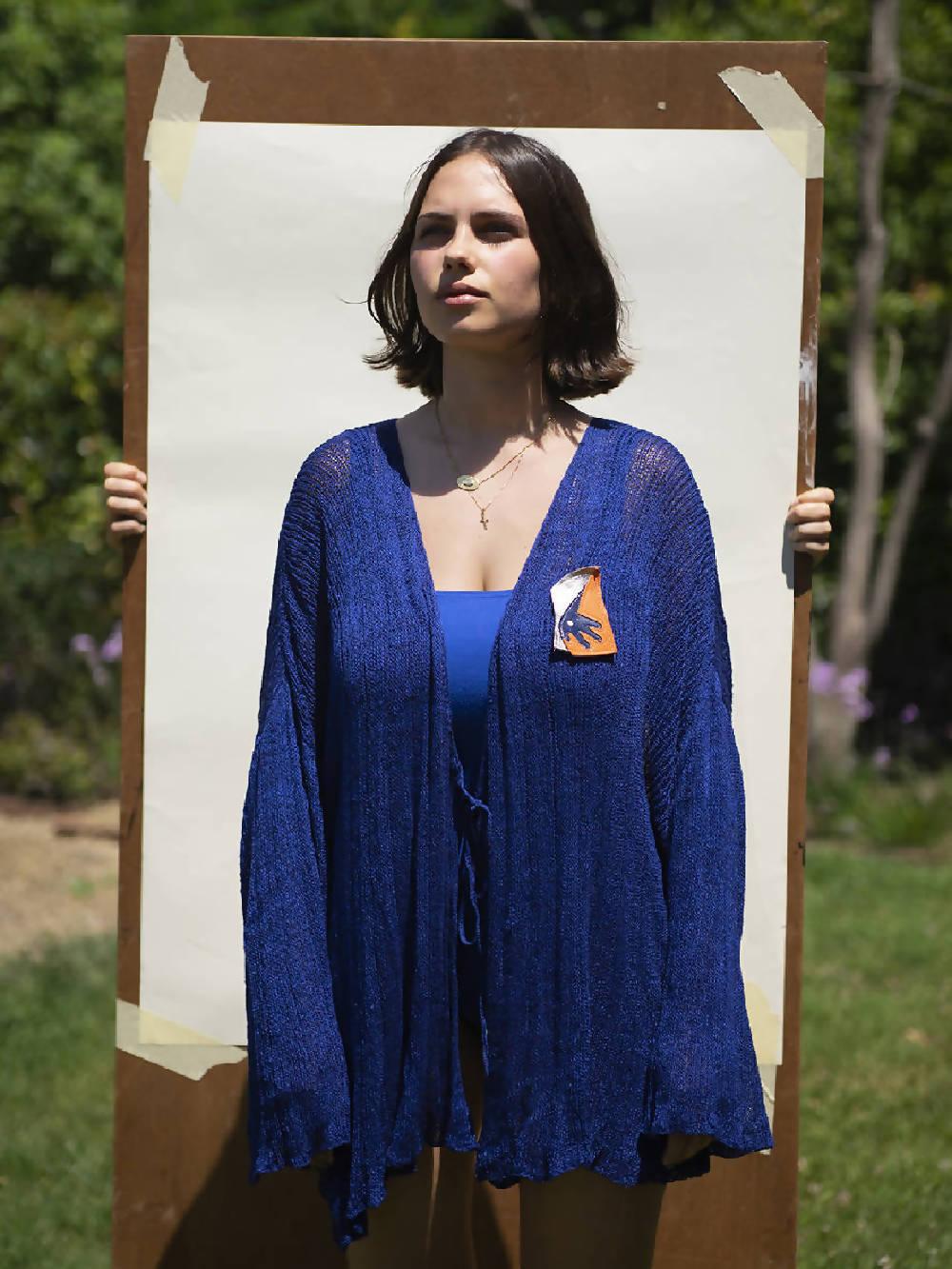 Kerriih Blue Crossed plisse vest