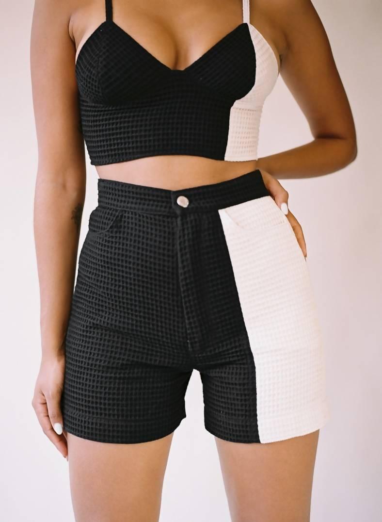Aniela Parys Black and White Mini waffle Shorts