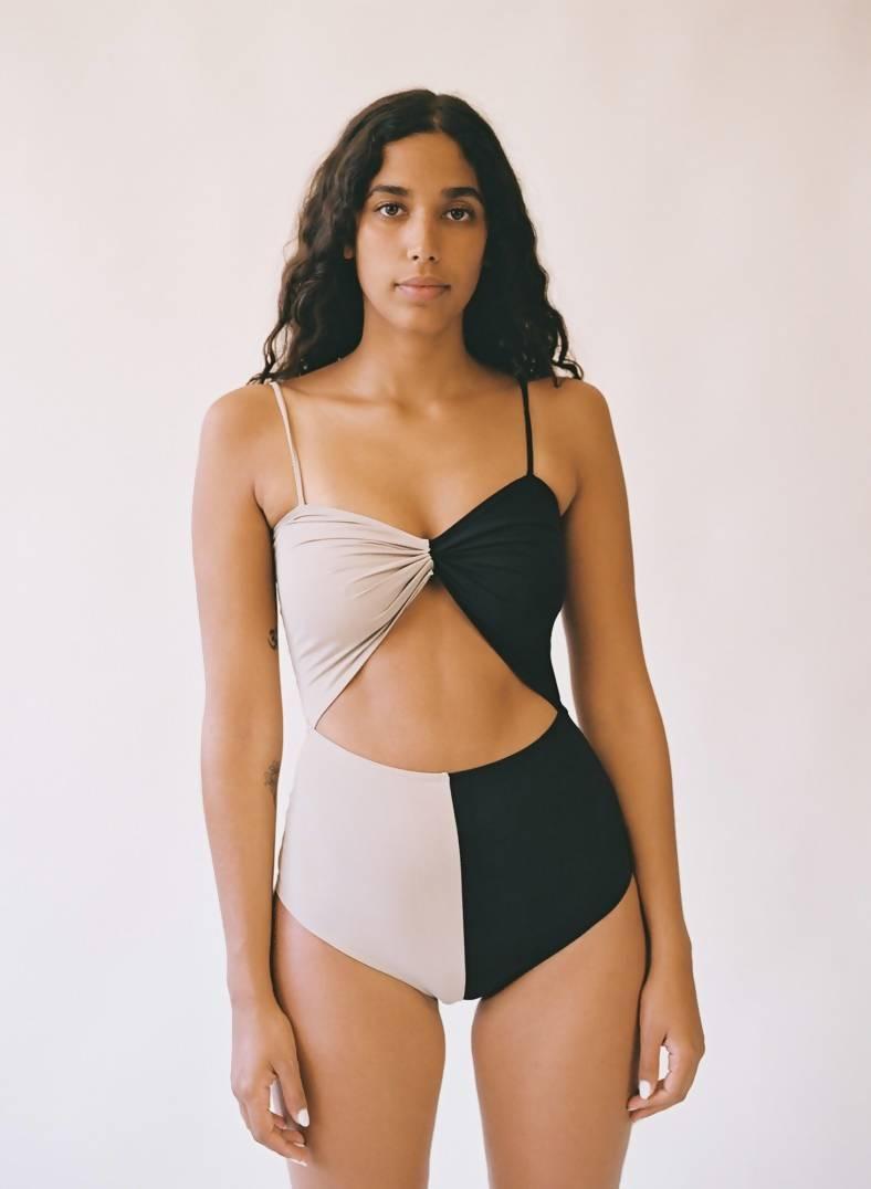 Aniela Parys Two-Tone Marina Black and White Swimwear