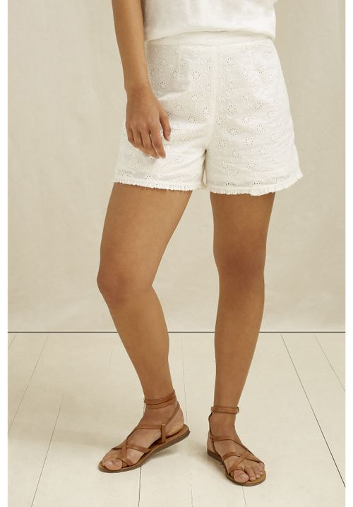 Nova Broderie Shorts In White