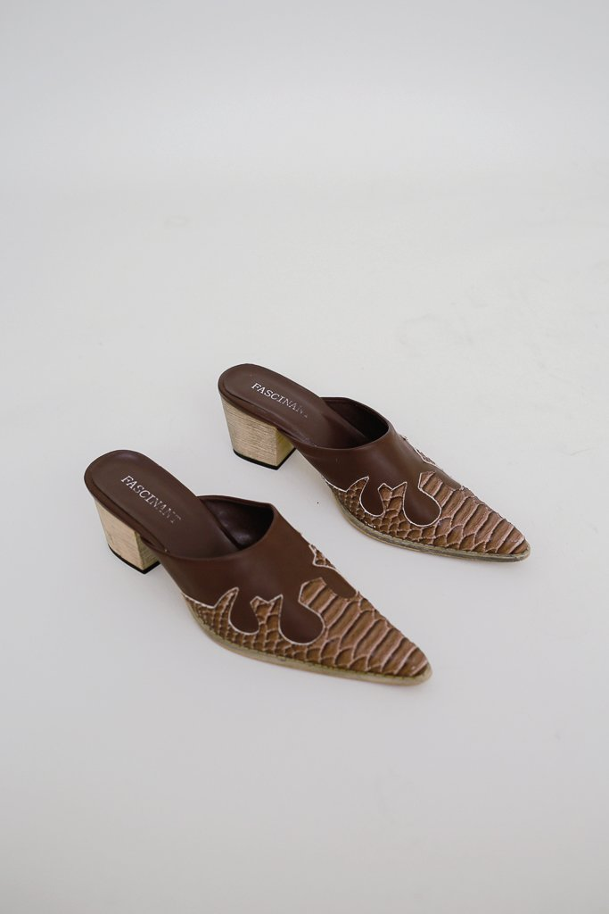 Heeled slippers à la Western Size 37