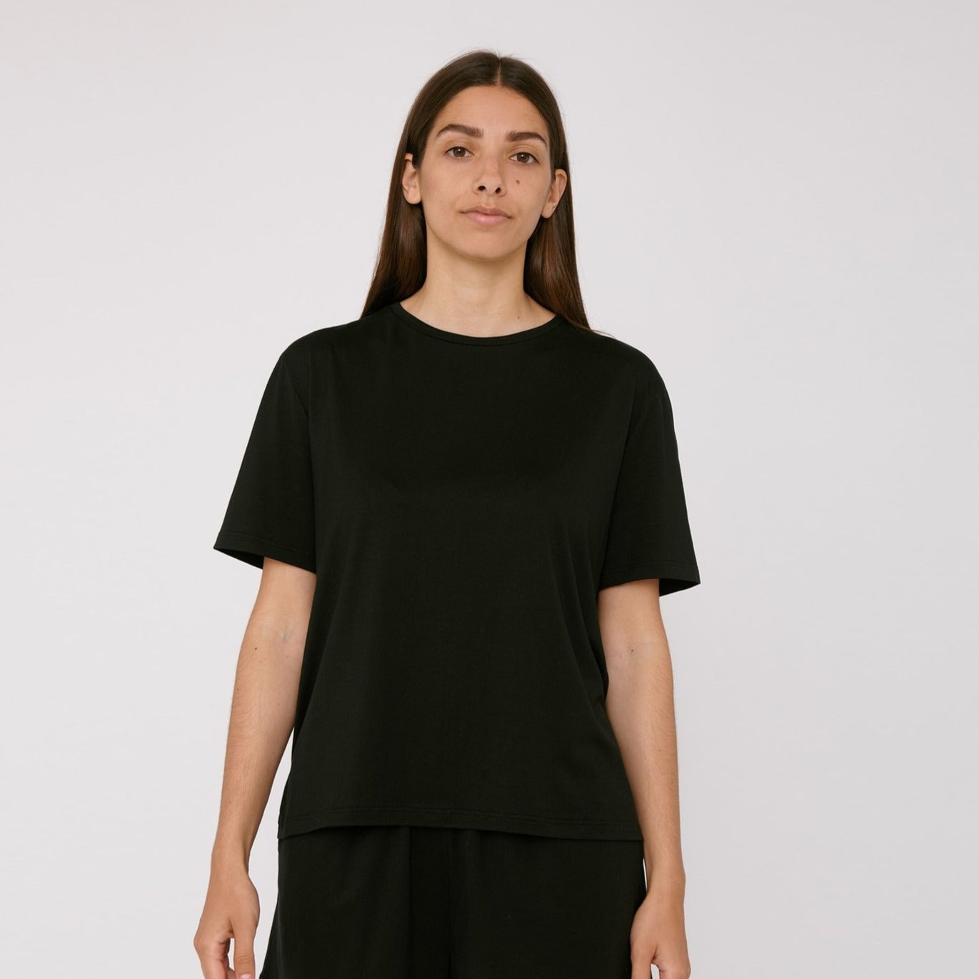 Tencel Lite Tee Black