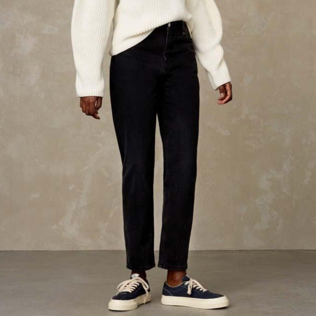 Caroline High Waist Jeans Eco Recycled Black Worn