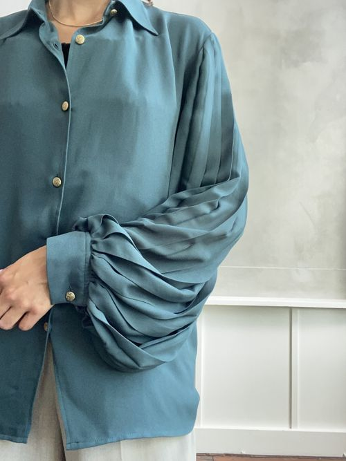 THE EXTREME PLEAT SHIRT