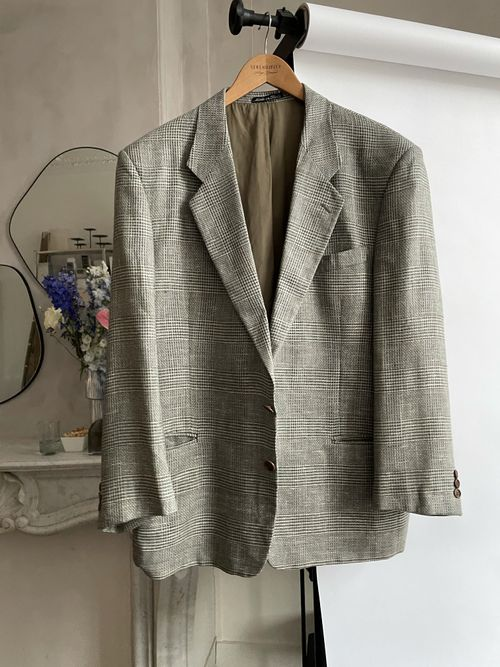 THE SILK BLAZER