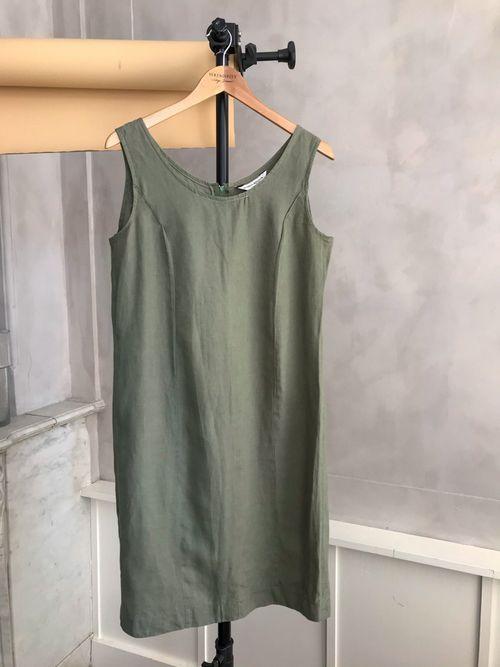 THE GREEN LINEN DRESS