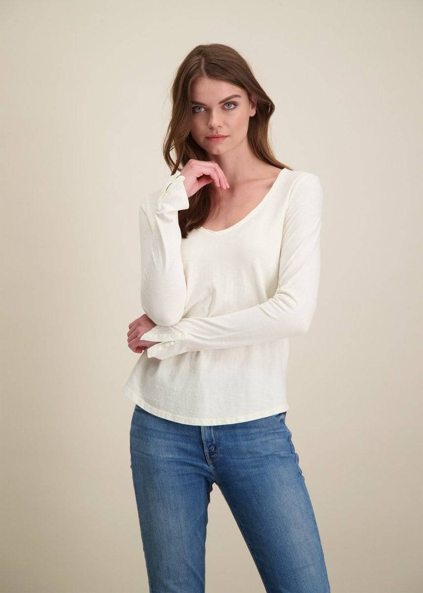 The V-neck Long-sleeve