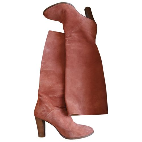 Sézane Fall Winter 2020 leather boots