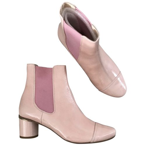 Stine Goya Patent leather ankle boots
