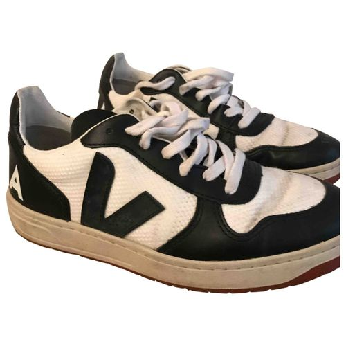 Veja Leather trainers