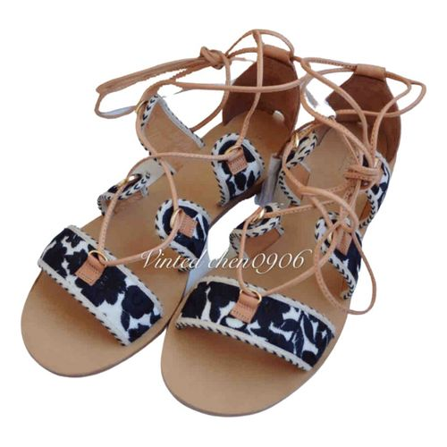 Sézane Spring Summer 2020 leather sandal